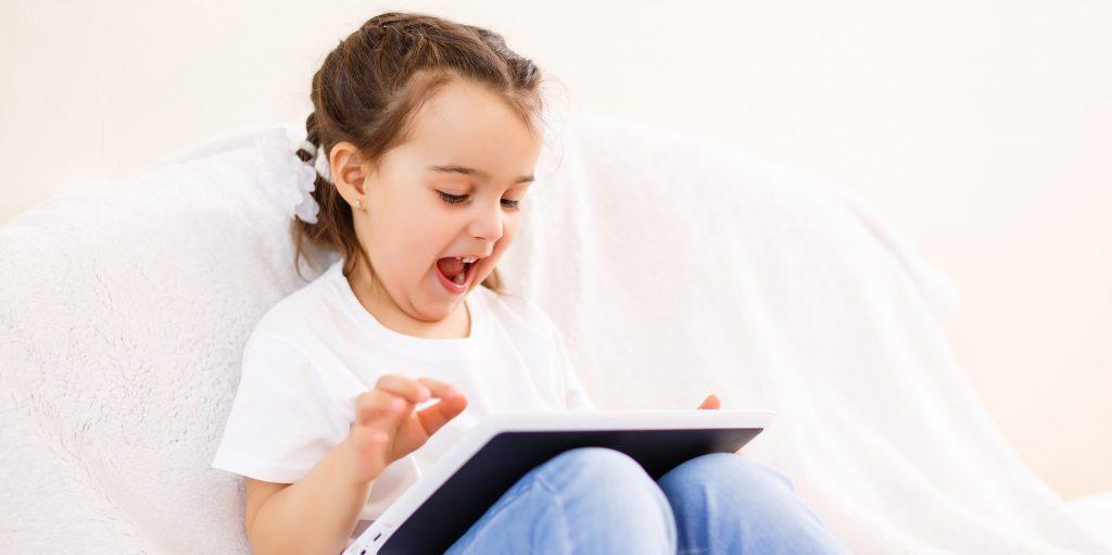 Kinder lieben Medien - Eltern müssen ihnen helfen, sie bewusst und reflektiert zu nutzen.
