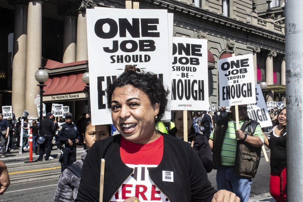 Faire Arbeitbedingungen, höhere Löhne - dafür wird am Tag der Arbeit traditionell demonstriert.